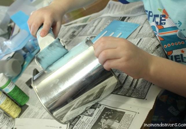 pintar las latas con pintura