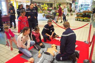 Les pompiers thermaux étaient en démonstration pour l'apprentissage des gestes qui sauvent.