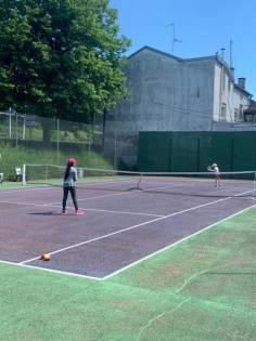 Les enfants ont été contents de retrouver les courts de tennis.