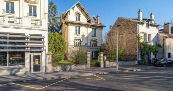 La villa Angelot à Vittel est à vendre aux enchères.