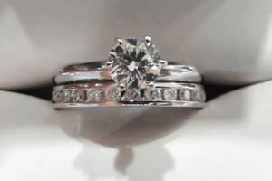 cd75dfc881bd Las 5 preguntas clave para comprar el anillo de compromiso
