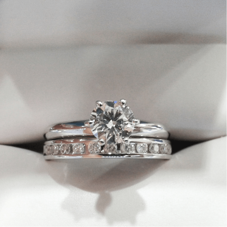 anillo de compromiso 13