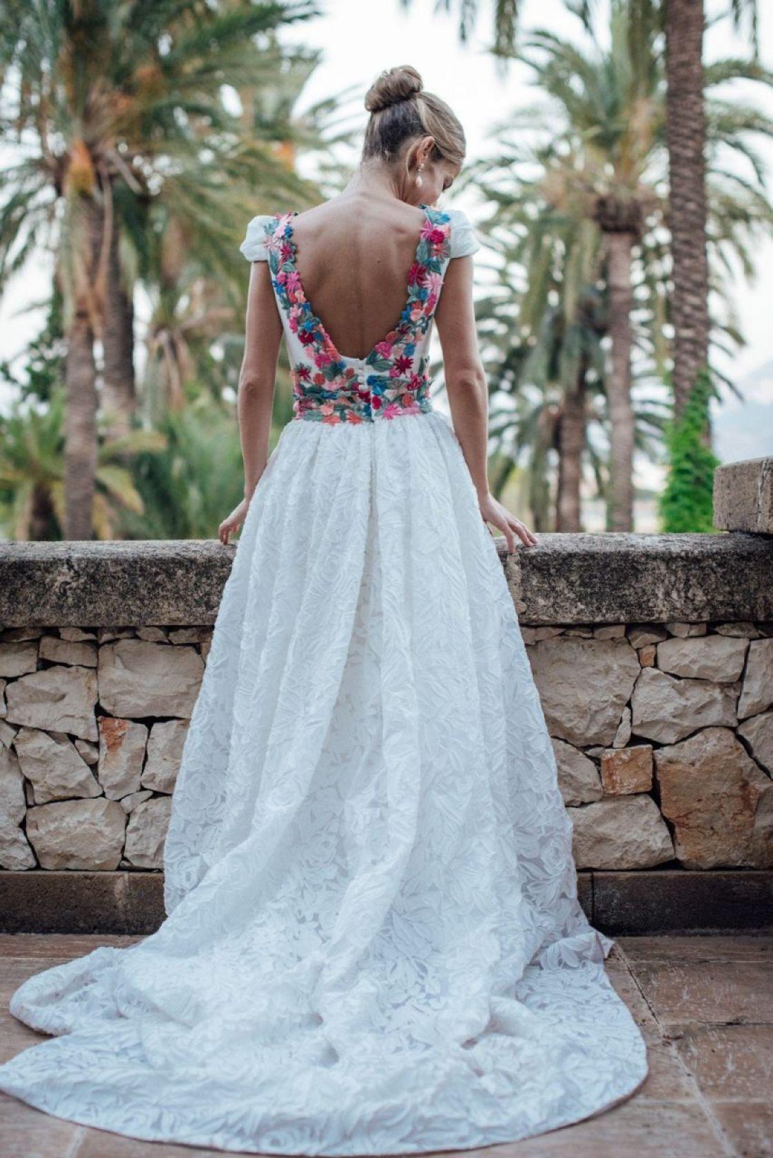 d292d57c2 Vestidos de estilo mexicano para bodas