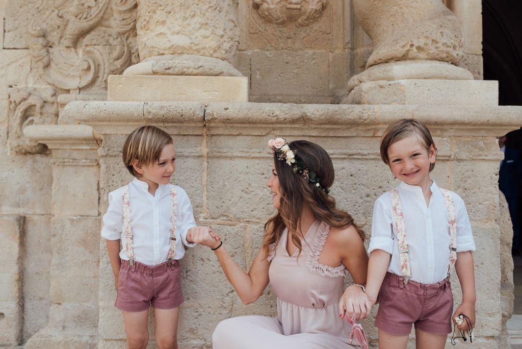 Como vestir a los pajes en una boda Rustica