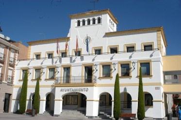Fachada principal y acceso Ayuntamiento de Sanse.