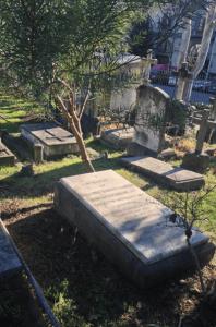 Tombe de Walter Savage Landor au Cimetière des Anglais de Florence avec l'épitaphe d'Algernon Swinburne