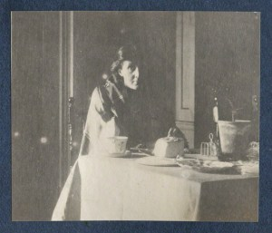 Virginia Woolf par Lady Ottoline Morrell vers 1917, National Portrait Gallery