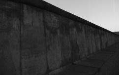 7 Sinistre muraille