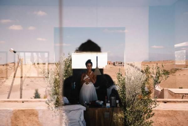 chloe-lapeyssonnie-cool-modern-hipster-wedding-desert-marrakech-villak_0045-800x534