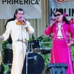 Martín Santos y Vicky Santos, con el folclor mexicano.