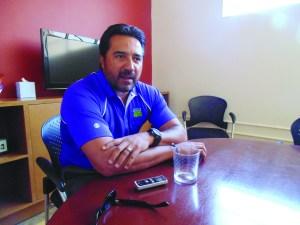 El ex jugador mexicano de los Rockies de Colorado, Vinny Castilla, el vocero de la Semana Nacional de Concientización de la Donación de órganos. (Foto de Germán González)