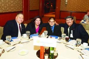 Durante el tercer día de la Convención Nacional de la Asociación Nacional de Publicaciones Hispanas. El equipo de La Prensa de Colorado, para la fotografía del recuerdo.