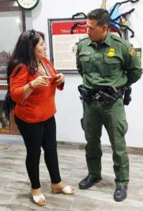 En la entrevista con Alejandro García, agente de la Patrulla Fronteriza. (Fotos: LPDC/RD).