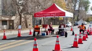 La Ciudad y Condado de Denver sigue recibiendo las boletas de los votantes. (lpdc/Mary A. Flores)
