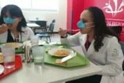 """Des chercheurs mexicains inventent le """"masque nasal"""" pour déjeuner tranquille ! (vidéo)"""