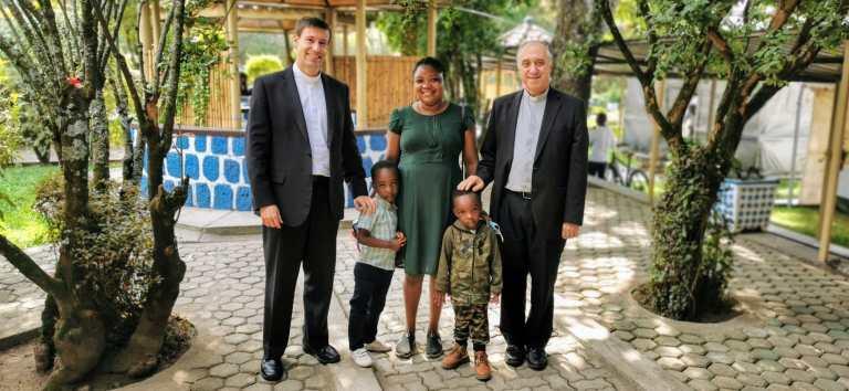 Con la hermana y sobrinos de D. Buenaventura