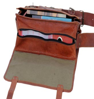 Internal Design of PL Vintage Leather Laptop Messenger Bag