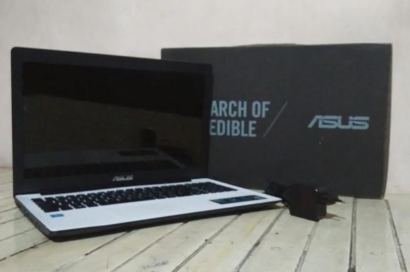 laptop bekas asus x553m