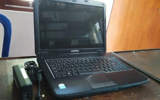 Laptop Bekas Emachines D720