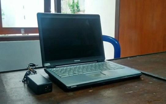 Laptop Bekas Toshiba U305