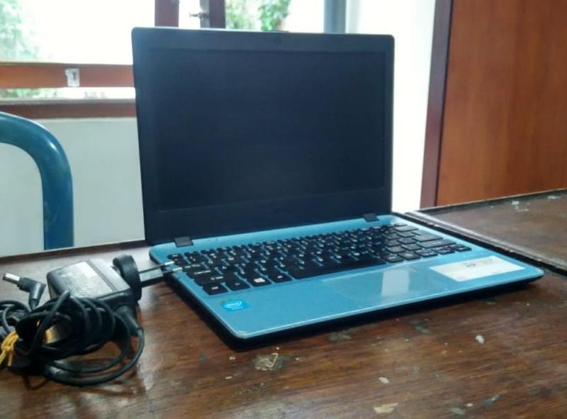 laptop second acer v5-132