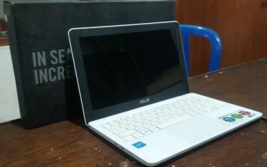 Laptop Bekas Asus E202SA-FD112D