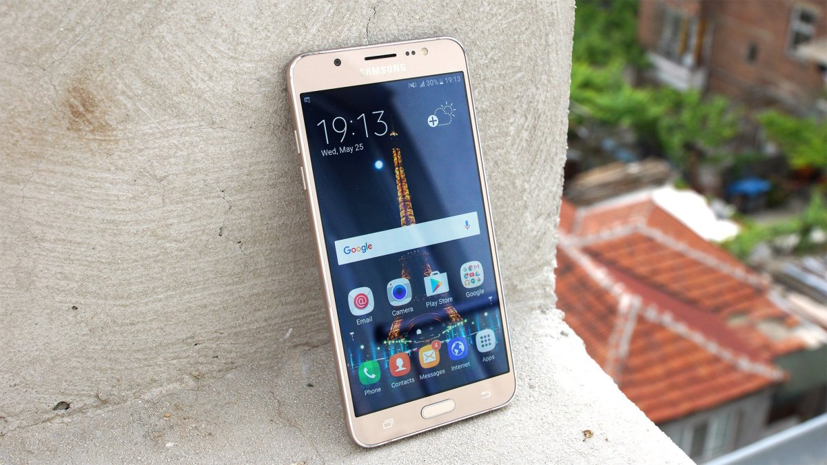 Samsung Galaxy J7 (2016) quick review – style and options