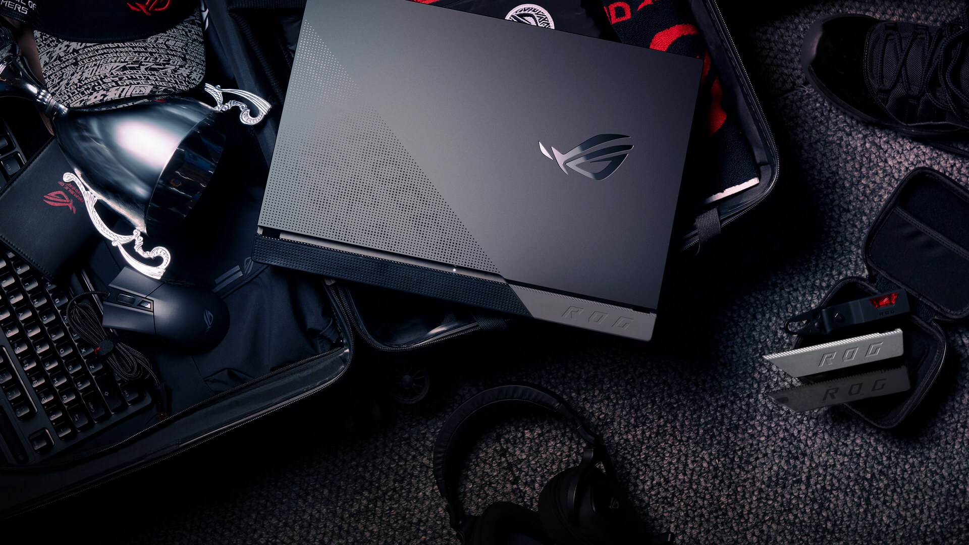 Top 5 reasons to BUY or NOT to buy the ASUS ROG Strix SCAR 17 G733