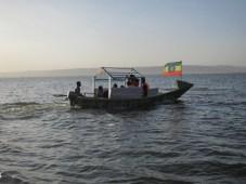 En busca de hipos en el Lago Awassa