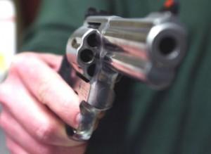 pistola-rapina-300×219