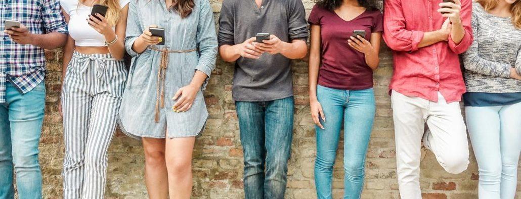 amici telefonino smartphone
