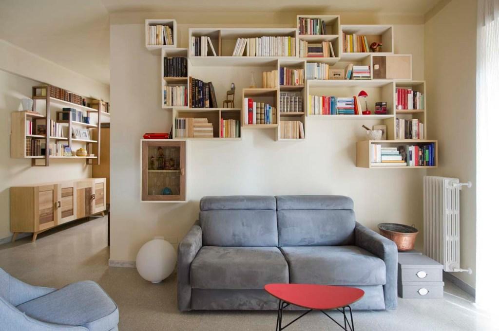 libreria in legno e resina con moduli a giorno