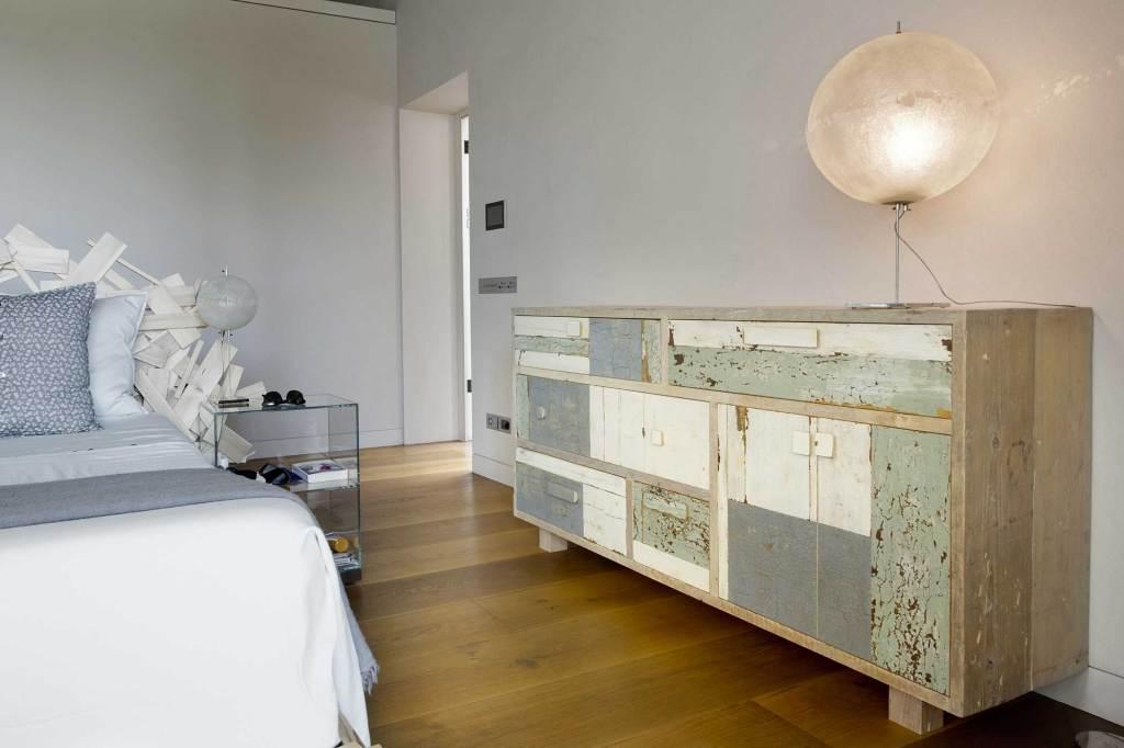 Testiera letto in legno di recupero su misura