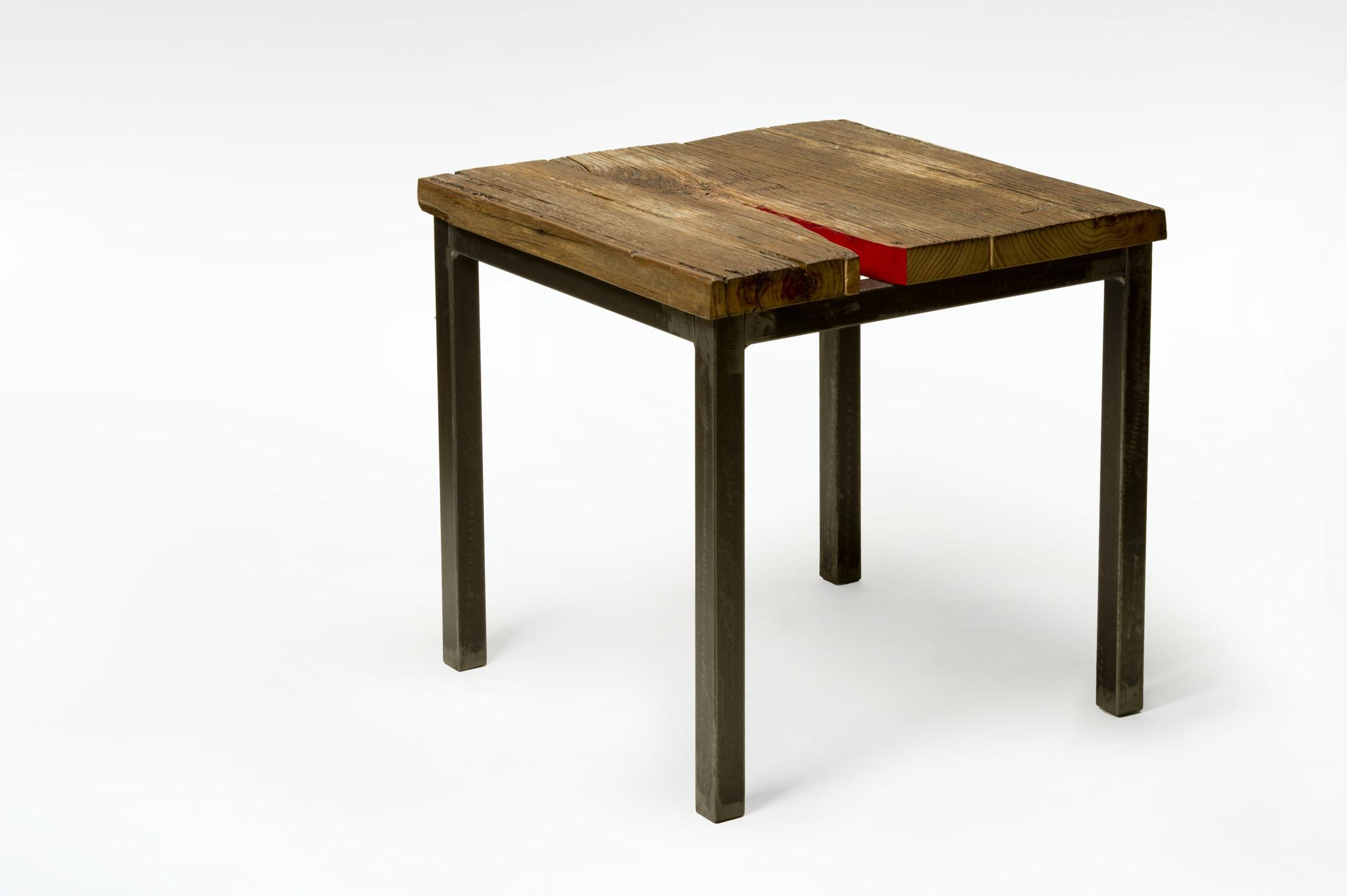 Tavolo basso soggiorno con assi di legno riciclato