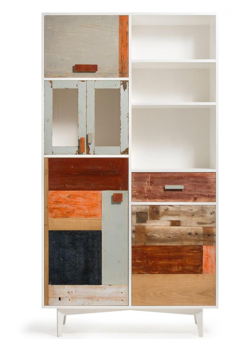 Credenza alta artigianale di design in legno vintage colorato