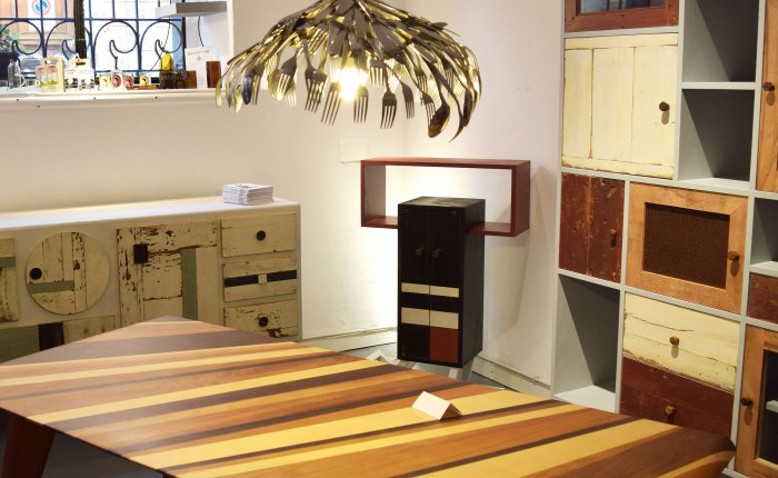 Tavolo in legno a Milano Navigli. Su misura contemporaneo