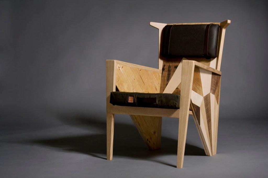 Poltrona Bergere rivisitata con design contemporaneo: Tessuti antigoccia e legno da costruzione riciclato