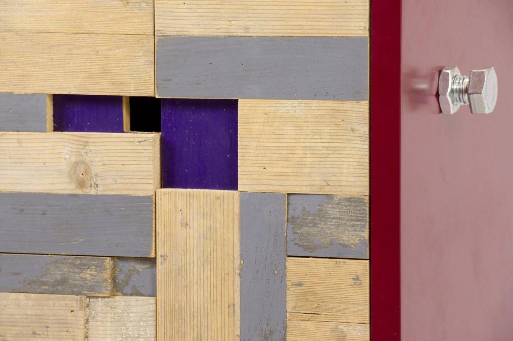 Mosaico di legni di recupero e riciclato, puzzle geometrici per ante e mobili per il soggiorno