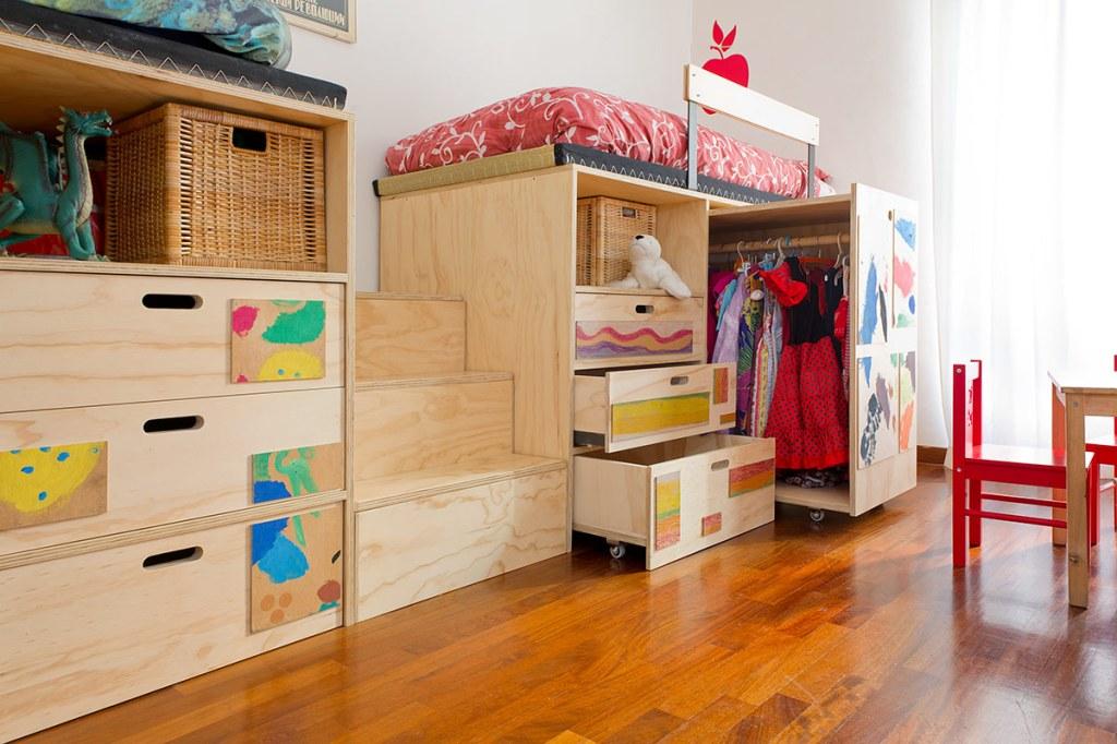 Armadiature e strutture letto per bambini, scalette cassettoni e letti in legno