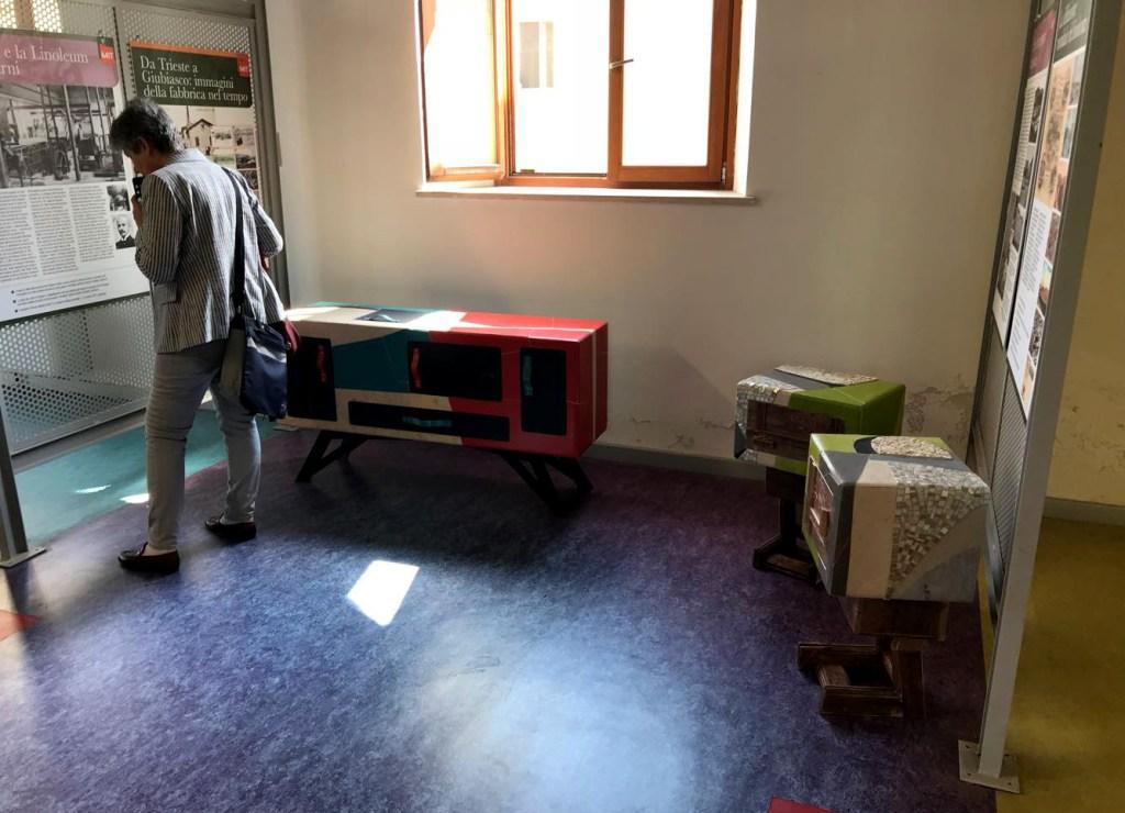 Open Day stabilimento tarkett Narni mobili rivestiti con linoleum