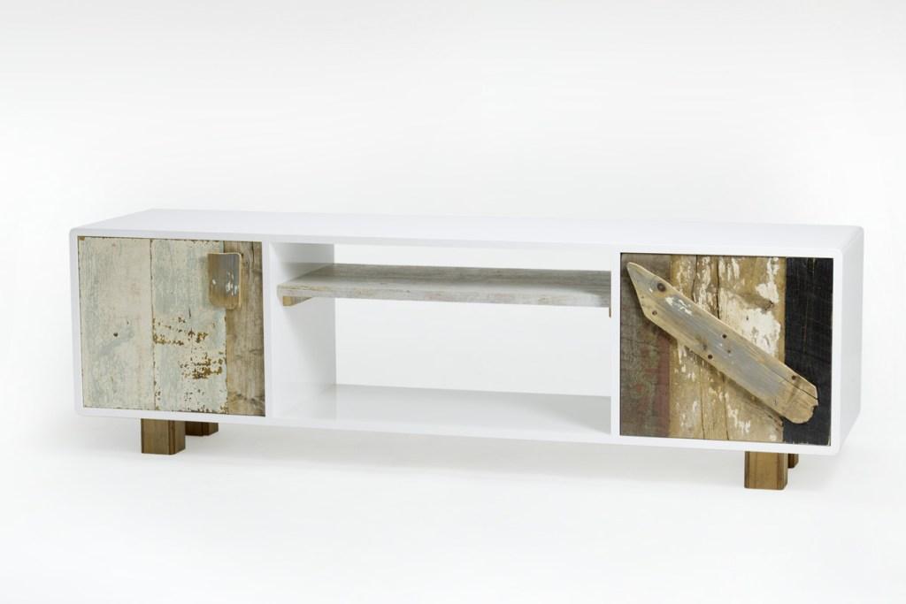 mobile tv basso con vani a giorno e legno vintage