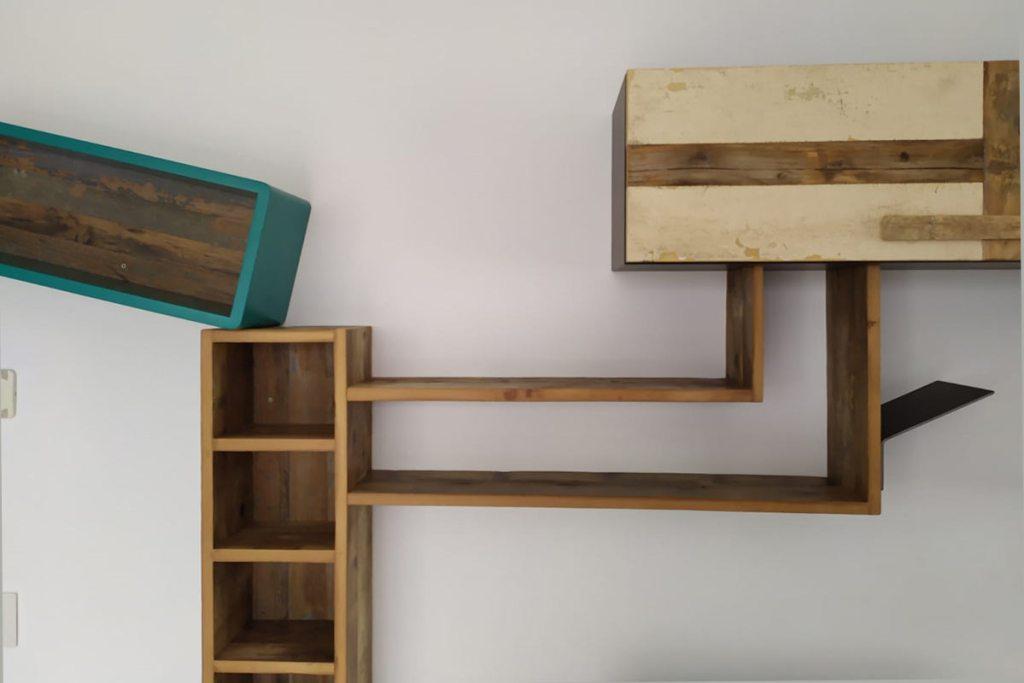 scaffali e mensole zona giorno in legno scrap vintage rigenerato