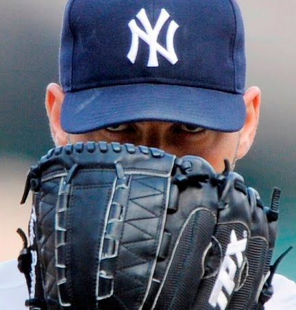 andy_pettitte_eyes_glove