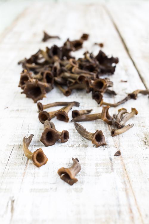 risotto trompettes de la mort, courgettes et noix