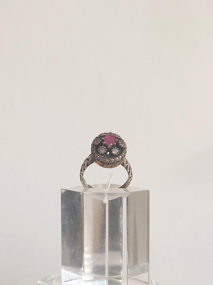 anillo-isabelino-rojo-redondo-1-AUREA
