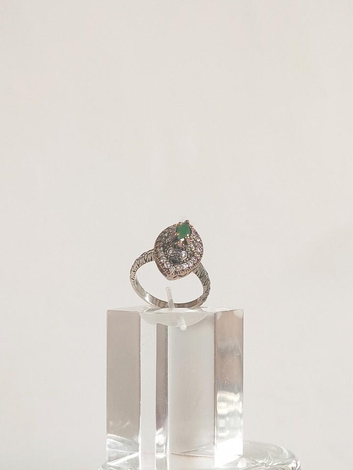 anillo-isabelino-verde-rombo-1-DAVINA