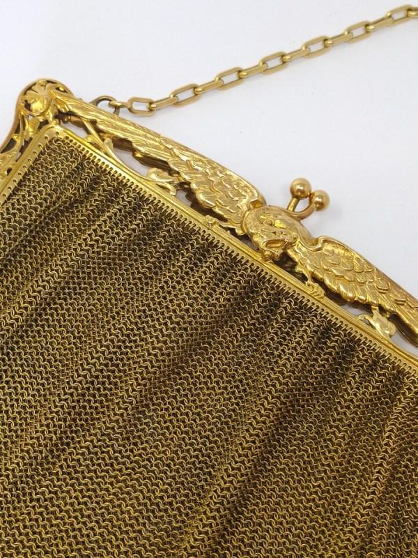 bolso-antiguo-dorado