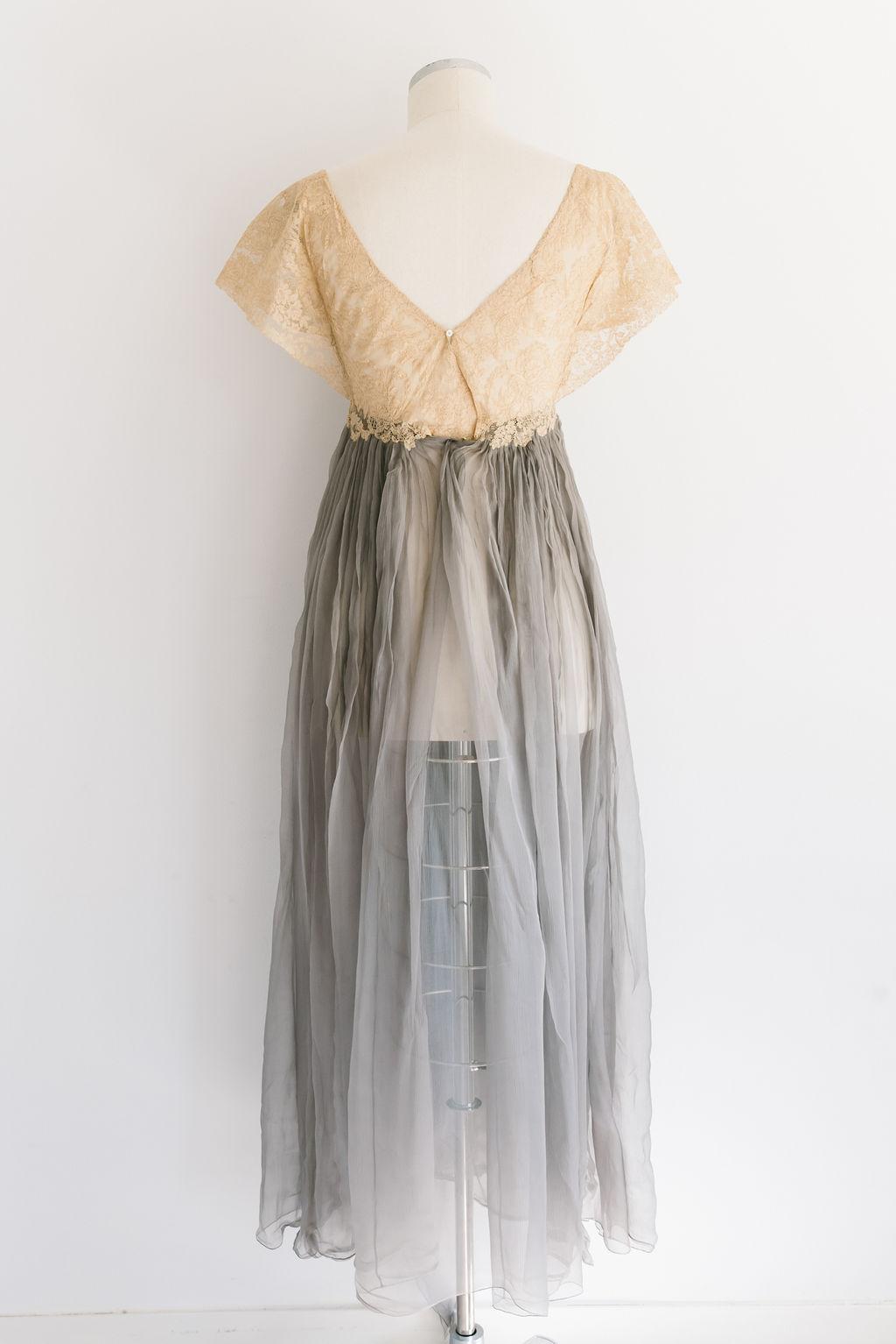 vestido-antiguo-gasa