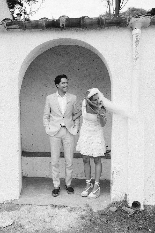 couple-civil-wedding-beach-dress