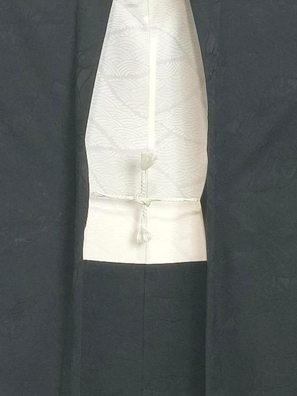 black-short-kimono